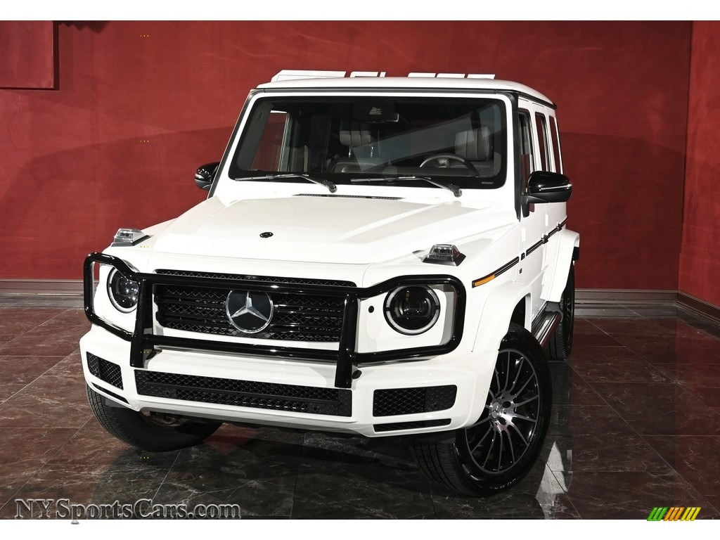 Polar White / Black Mercedes-Benz G 550