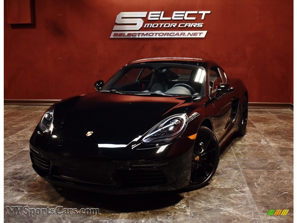 Black / Black Porsche 718 Cayman