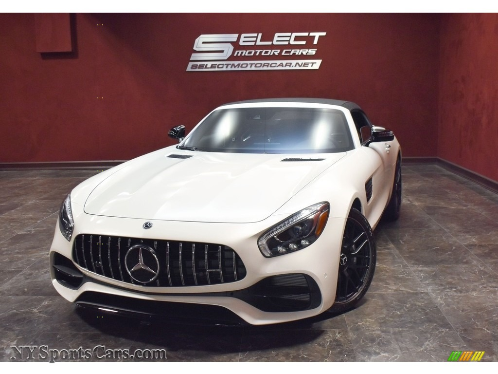 designo Diamond White Metallic / Saddle Brown Mercedes-Benz AMG GT Roadster