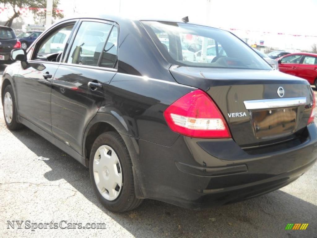 2009 nissan versa 1 8 s sedan in super black photo 6. Black Bedroom Furniture Sets. Home Design Ideas