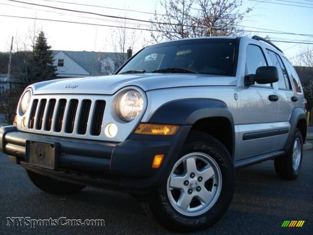 2007 jeep liberty sport 4x4 in bright silver metallic 590796 cars for. Black Bedroom Furniture Sets. Home Design Ideas