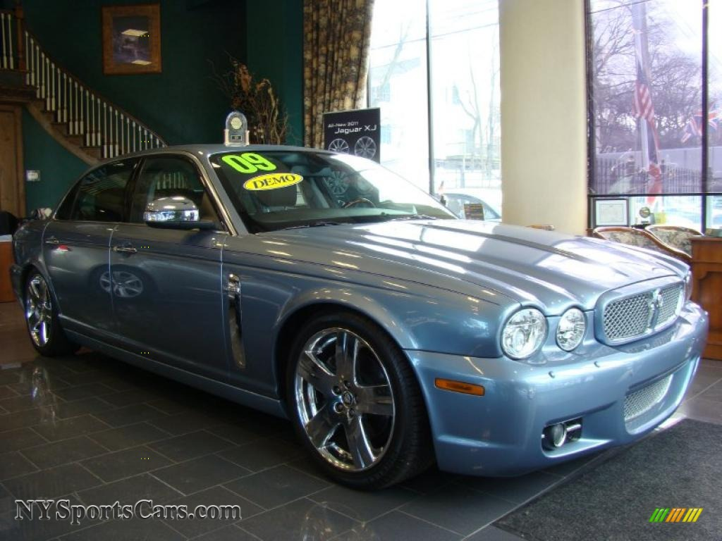 2009 jaguar xj vanden plas in azure blue h30645. Black Bedroom Furniture Sets. Home Design Ideas