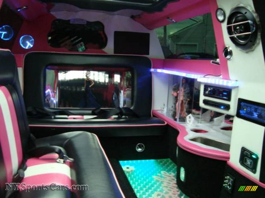 2008 mini cooper barbie edition jacuzzi limousine in custom pink photo 28 v37019. Black Bedroom Furniture Sets. Home Design Ideas