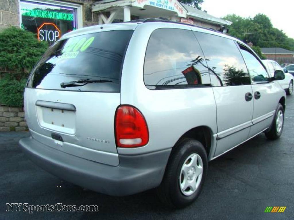 2000 dodge caravan in bright silver metallic photo 5 547964 cars for. Black Bedroom Furniture Sets. Home Design Ideas