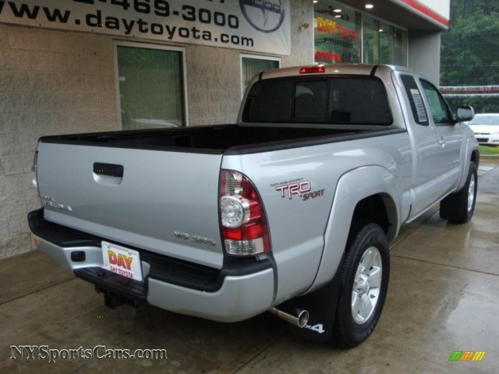 2010 toyota tacoma v6 sr5 trd sport access cab 4x4 in silver streak mica photo 2 744488. Black Bedroom Furniture Sets. Home Design Ideas
