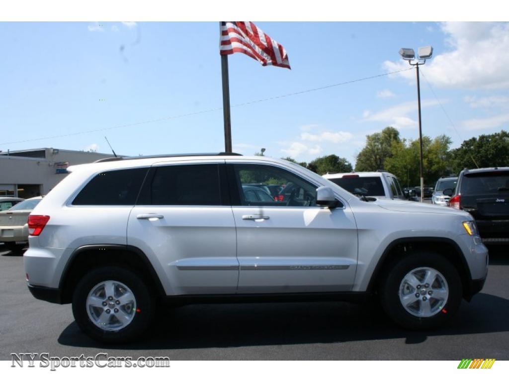 2011 Jeep Grand Cherokee Laredo 4x4 In Bright Silver