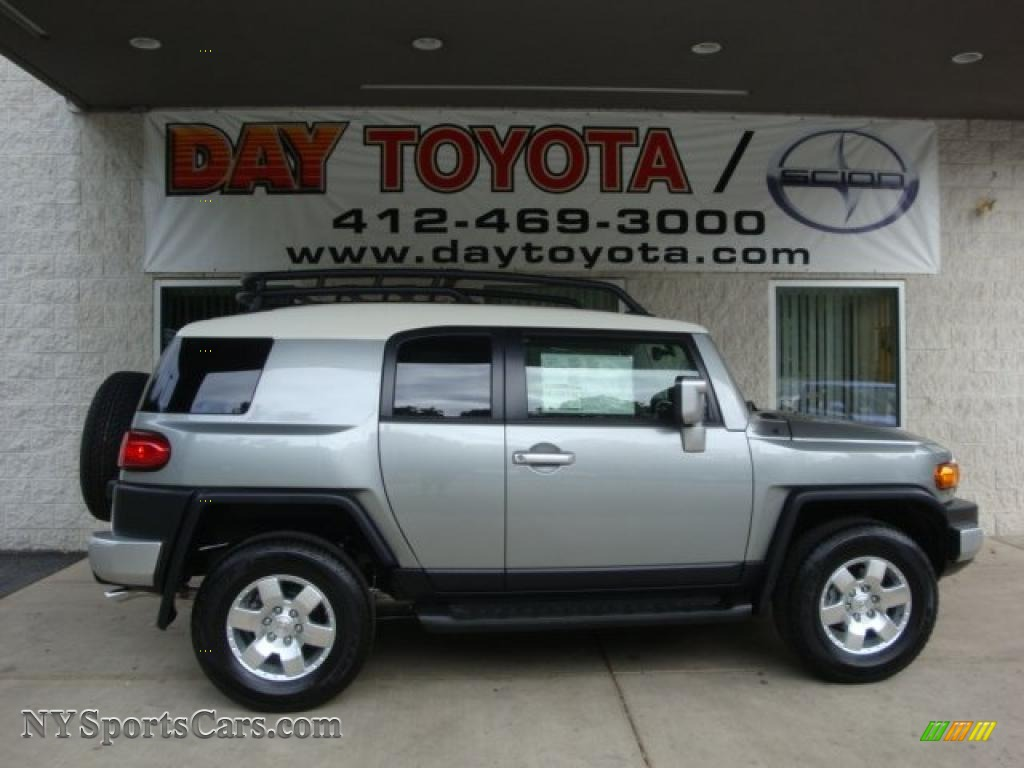 2010 Toyota FJ Cruiser 4WD in Silver Fresco Metallic - 094281 ...