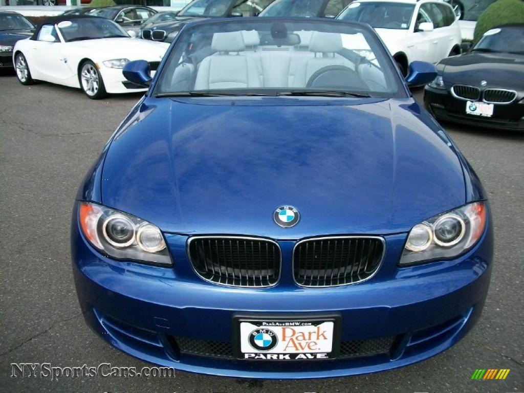 2010 BMW 128i Convertible photo - 2
