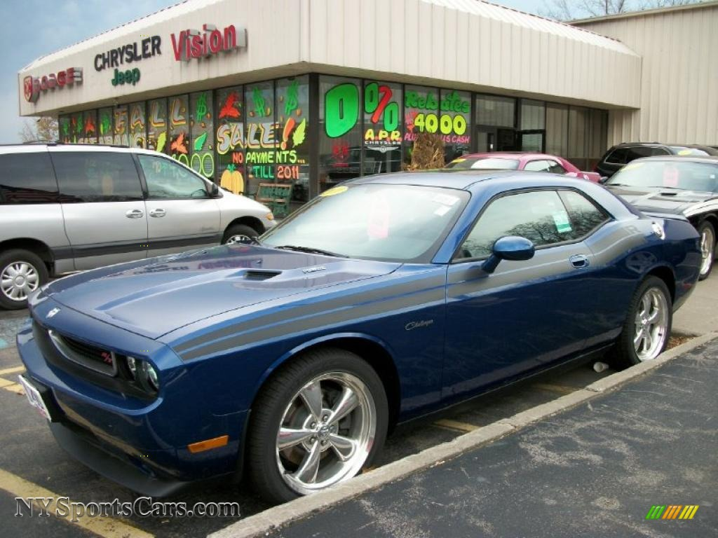 Deep water blue pearl dark slate gray dodge challenger r t classic