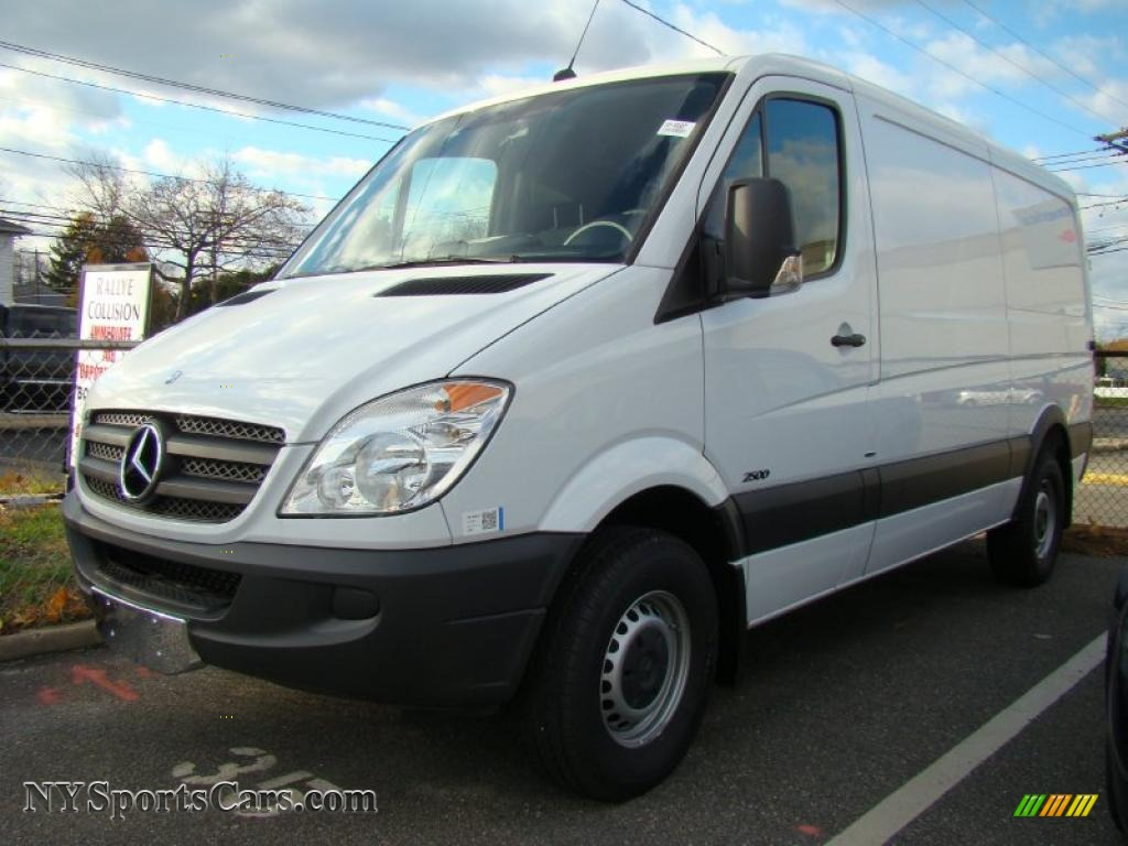 2010 mercedes benz sprinter 2500 cargo van in arctic white for 2010 mercedes benz 2500