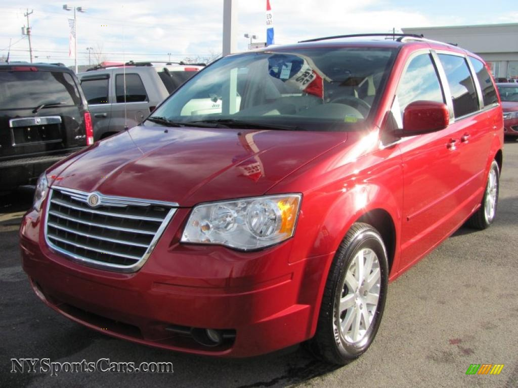 2008 Chrysler Town Amp Country Touring In Inferno Red