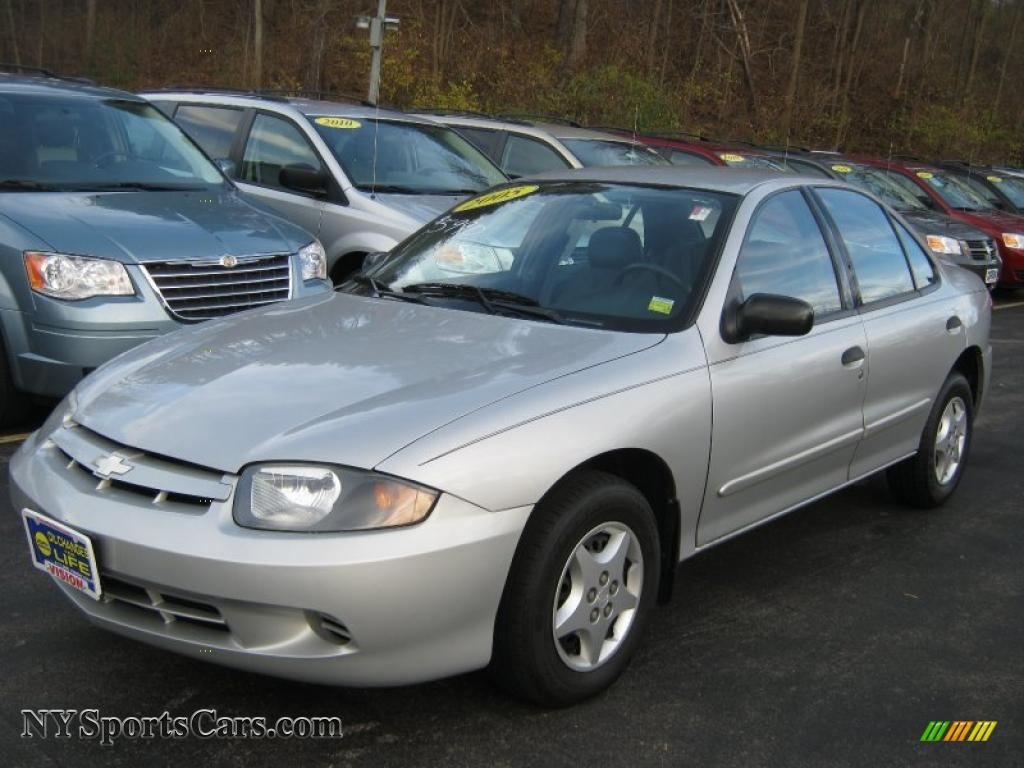 2005 Cavalier Sedan Ultra Silver Metallic Graphite Gray Photo 1