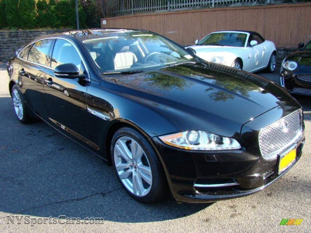 2011 jaguar xj xjl in ebony black photo 5 v07241 cars for sale in new york. Black Bedroom Furniture Sets. Home Design Ideas