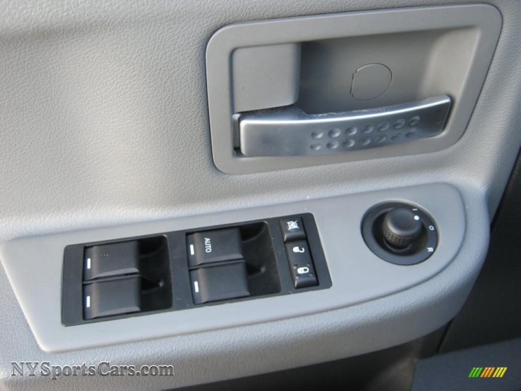 2008 Dodge Dakota Laramie Crew Cab 4x4 In Bright Silver