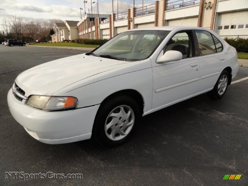 1999 Nissan Altima Gxe In Cloud White 152625