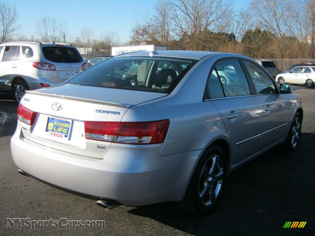 2007 Hyundai Sonata Limited V6 In Bright Silver Photo 2
