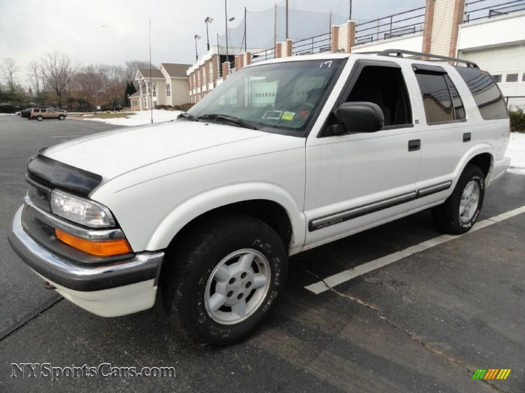 2000 chevrolet blazer ls 4x4 in summit white 333948 cars for sale in new york. Black Bedroom Furniture Sets. Home Design Ideas
