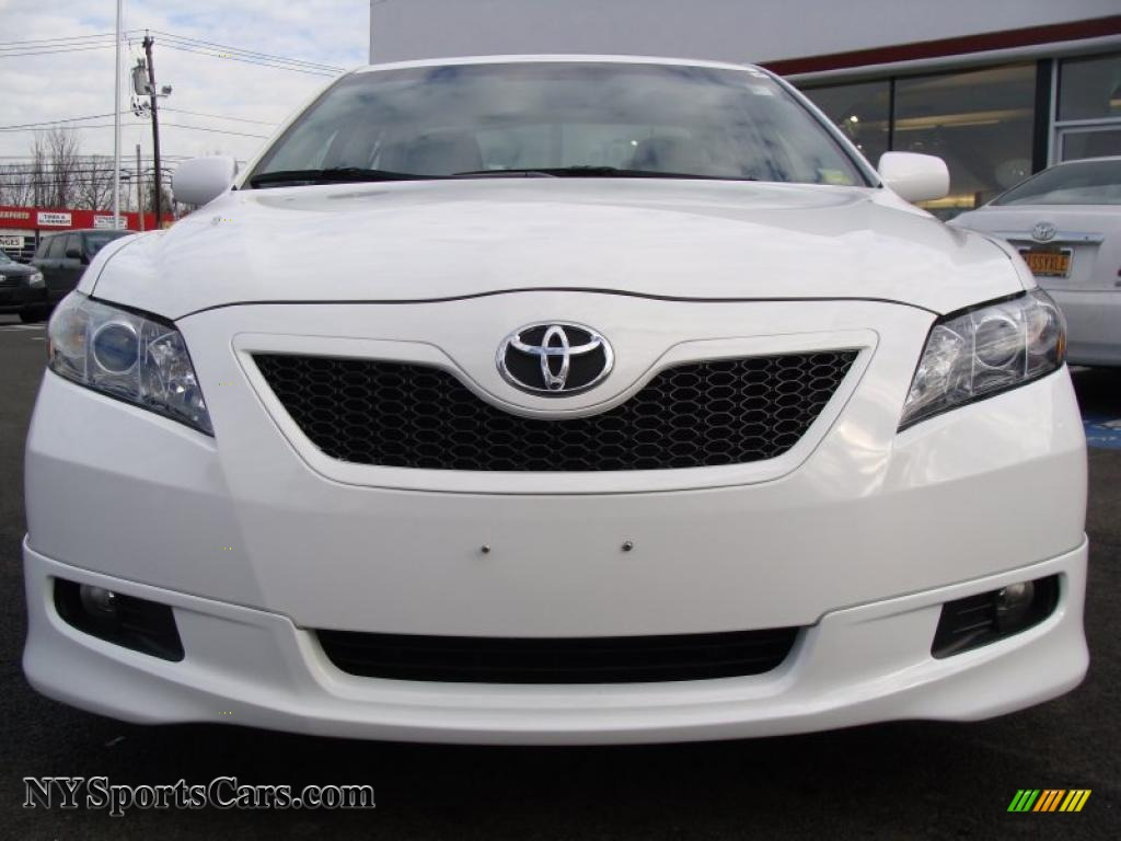 2008 toyota camry se v6 in super white photo 2 565895 cars for sale in. Black Bedroom Furniture Sets. Home Design Ideas