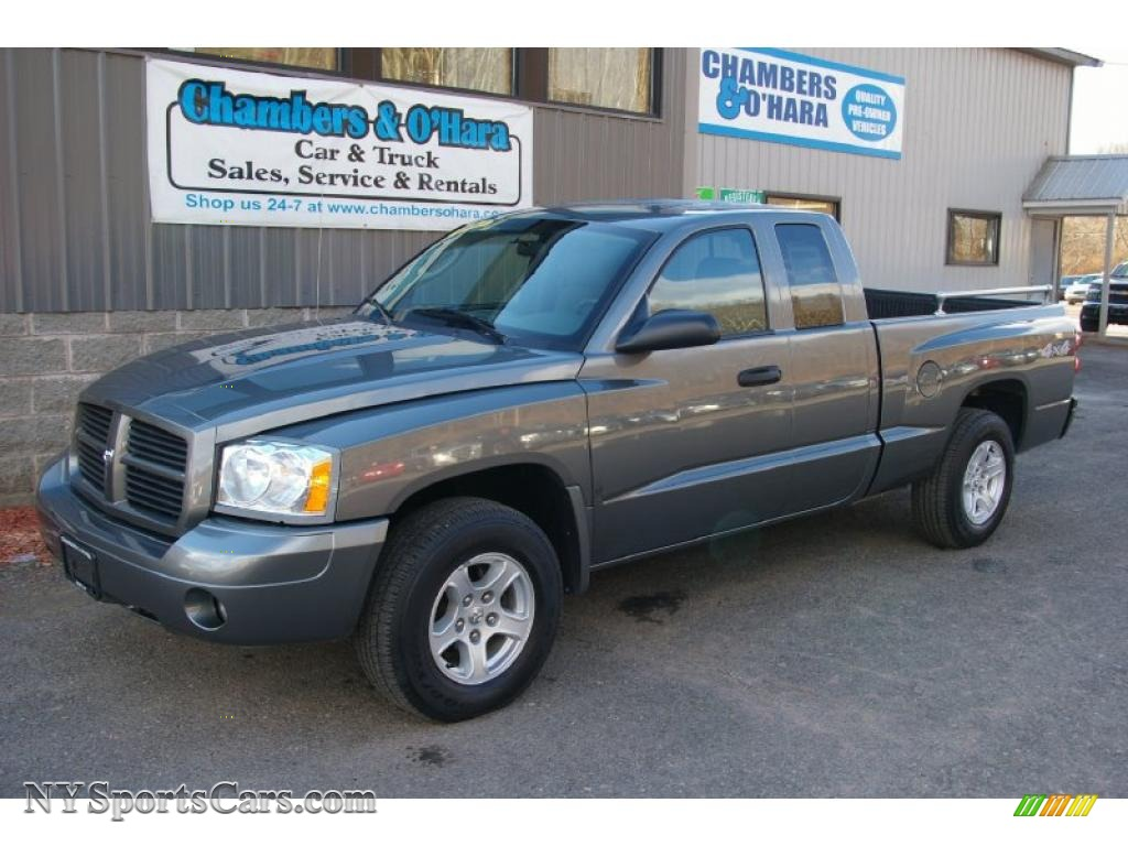 2006 dodge dakota st club cab 4x4 in mineral gray metallic. Black Bedroom Furniture Sets. Home Design Ideas