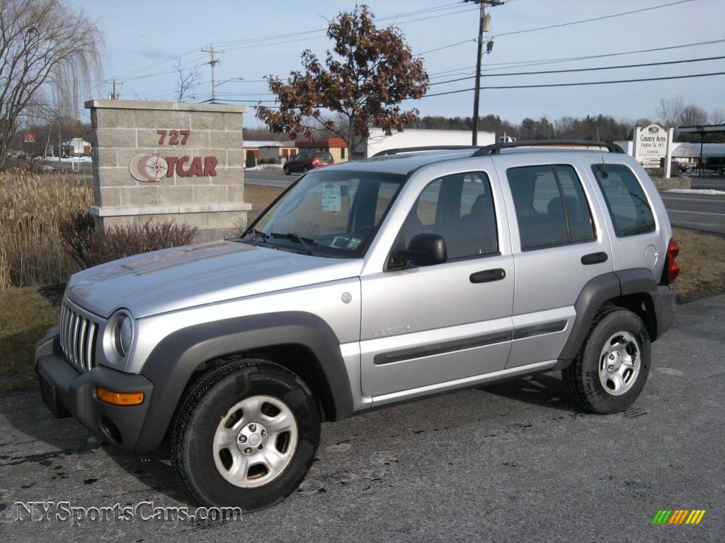 2004 jeep liberty sport 4x4 in bright silver metallic. Black Bedroom Furniture Sets. Home Design Ideas