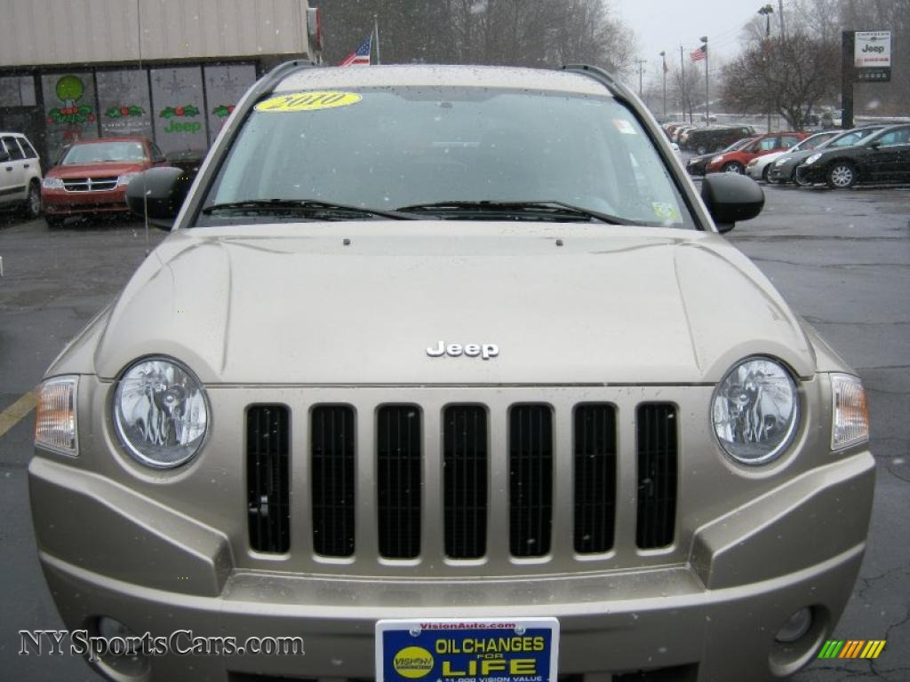 2010 Jeep Compass Sport 4x4 in Light Sandstone Metallic ...