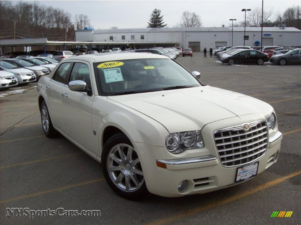 chrysler graystone hemi pearlcoat car for inferno dark slate in c sale gray light crystal red