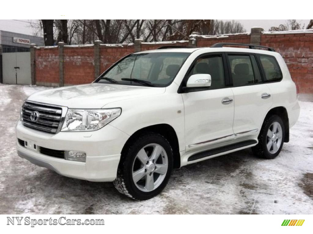 Super white sand beige toyota land cruiser