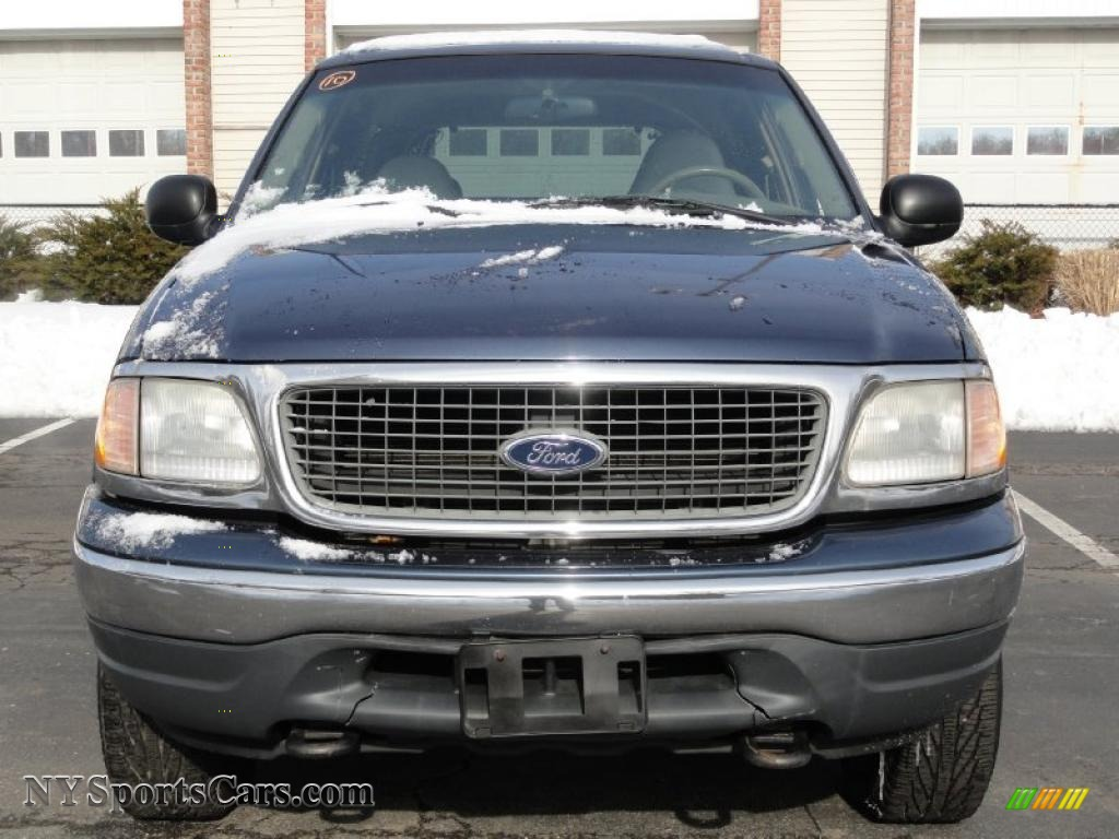 2001 ford expedition xlt 4x4 in medium wedgewood blue metallic photo 2 a54703 nysportscars. Black Bedroom Furniture Sets. Home Design Ideas