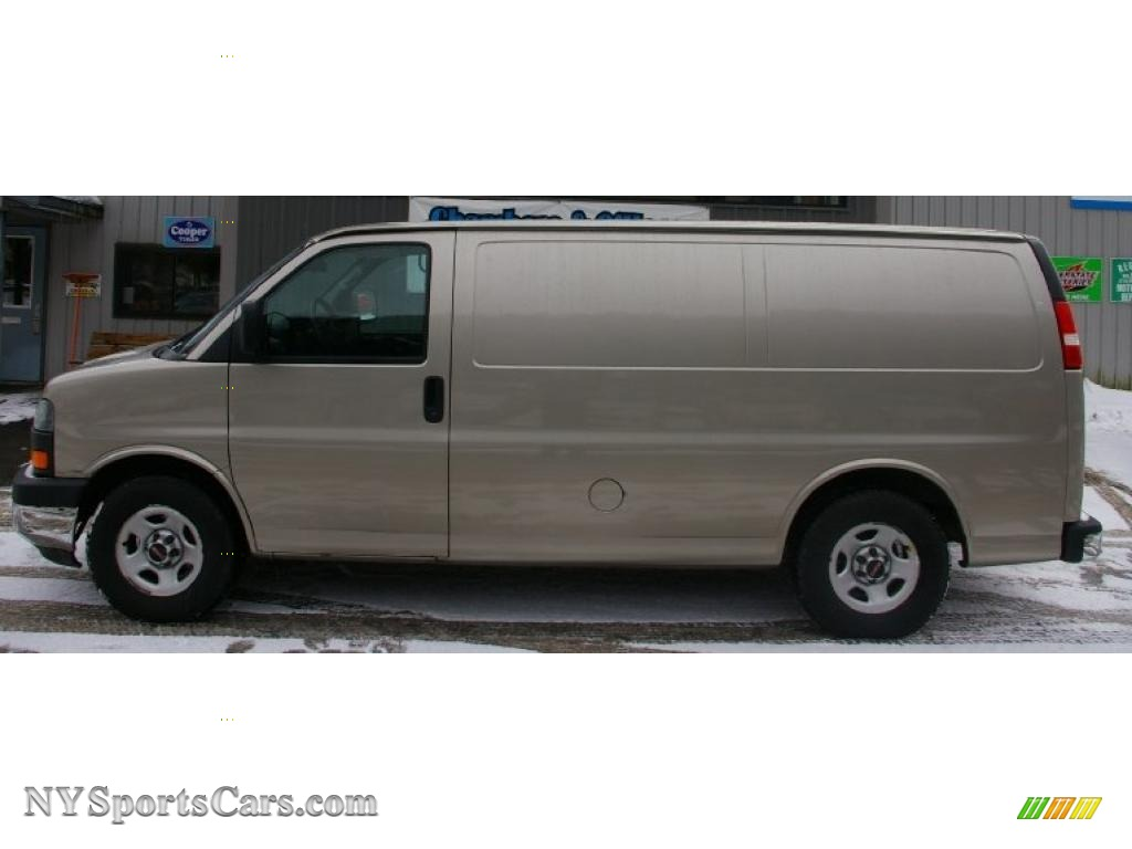 2004 Gmc Savana Van 1500 Awd Cargo In Sandalwood Metallic