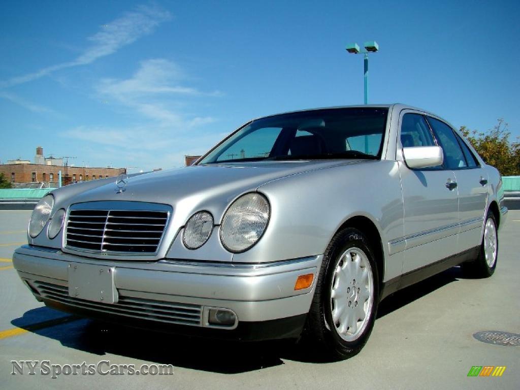 1999 mercedes benz e 300td sedan in brilliant silver for Mercedes benz 300td