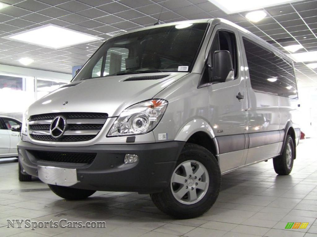 Silver metallic 2011 mercedes benz sprinter 2500 passenger for 2011 mercedes benz sprinter 2500