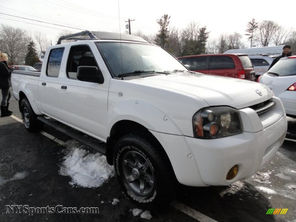 2004 nissan frontier xe v6 crew cab 4x4 in avalanche white photo 2004 frontier xe v6 crew cab 4x4 avalanche white gray photo 5 vanachro Images