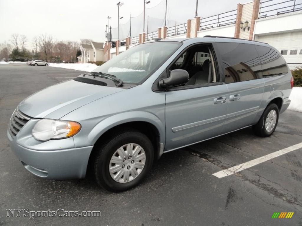 2005 chrysler town country lx in butane blue pearl 542796 cars for sale. Black Bedroom Furniture Sets. Home Design Ideas