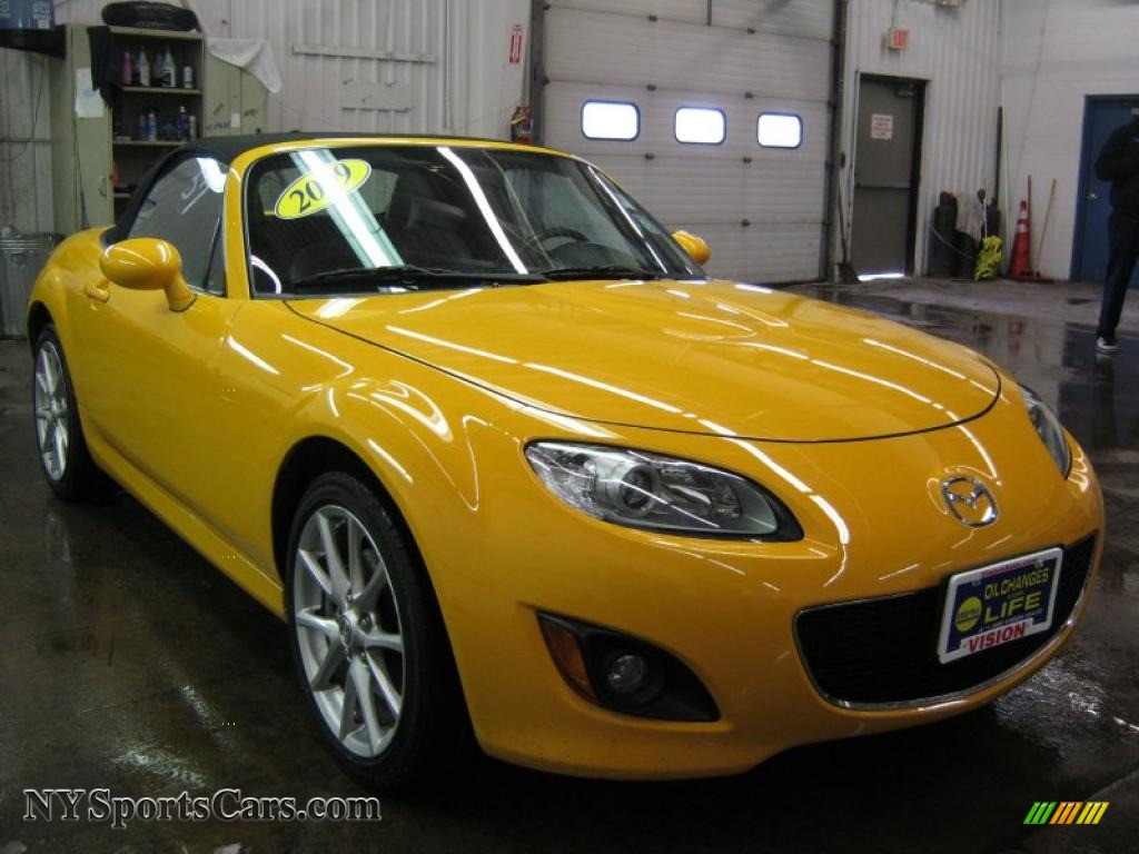 2009 mazda mx 5 miata touring roadster in competition. Black Bedroom Furniture Sets. Home Design Ideas