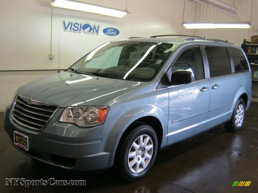 2010 Chrysler Town Amp Country Lx In Clearwater Blue Pearl