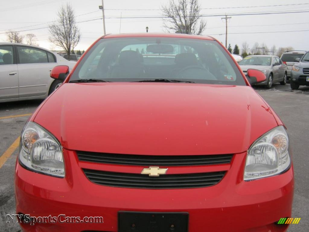 2010 Chevrolet Cobalt Lt Coupe In Victory Red Photo 17