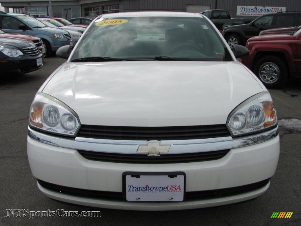 2005 chevrolet malibu ls v6 sedan in white photo 18 162068 nysportscars. Cars Review. Best American Auto & Cars Review