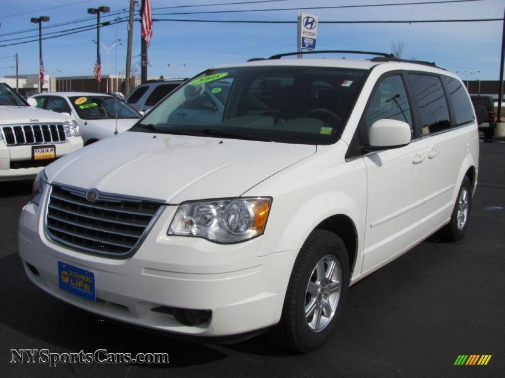2008 chrysler town country touring in stone white 127821 cars for sale. Black Bedroom Furniture Sets. Home Design Ideas