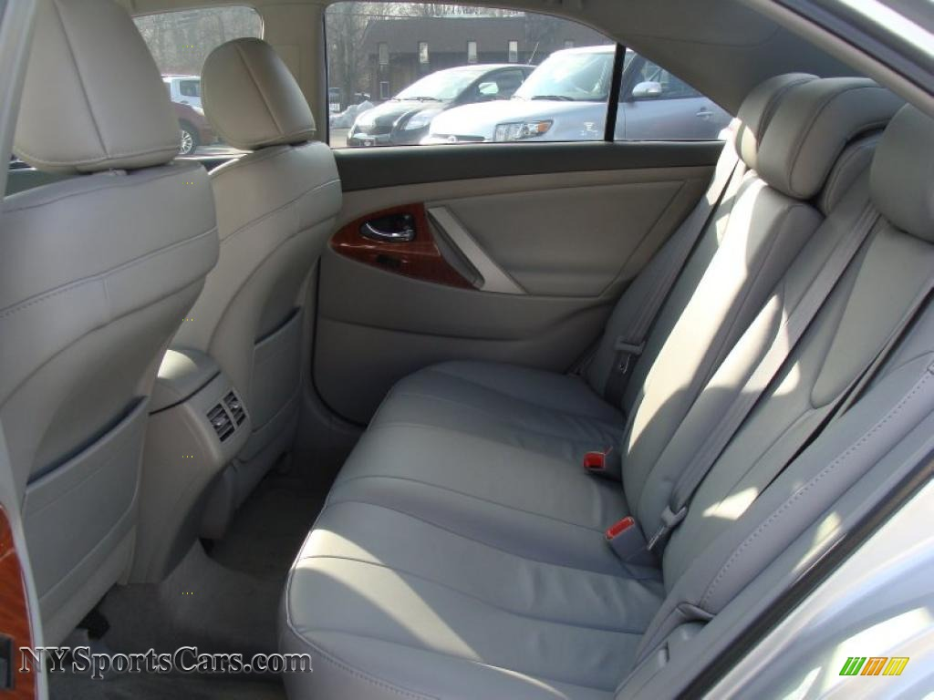 2008 toyota camry xle v6 in classic silver metallic photo
