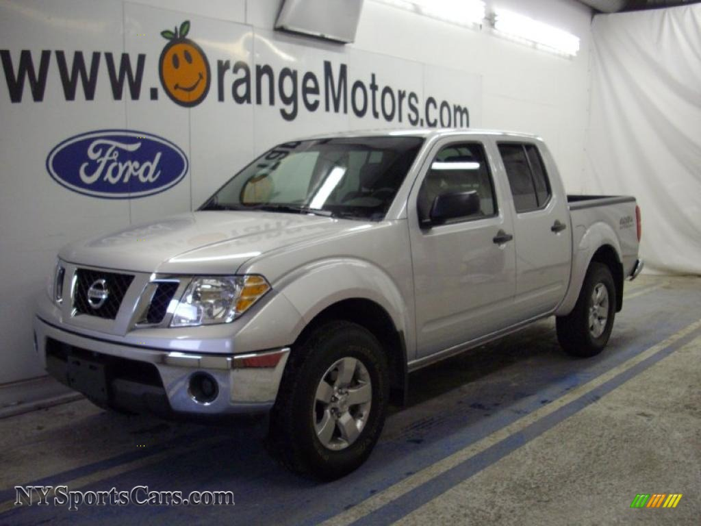 2009 nissan frontier se crew cab 4x4 in radiant silver 427202 cars for. Black Bedroom Furniture Sets. Home Design Ideas