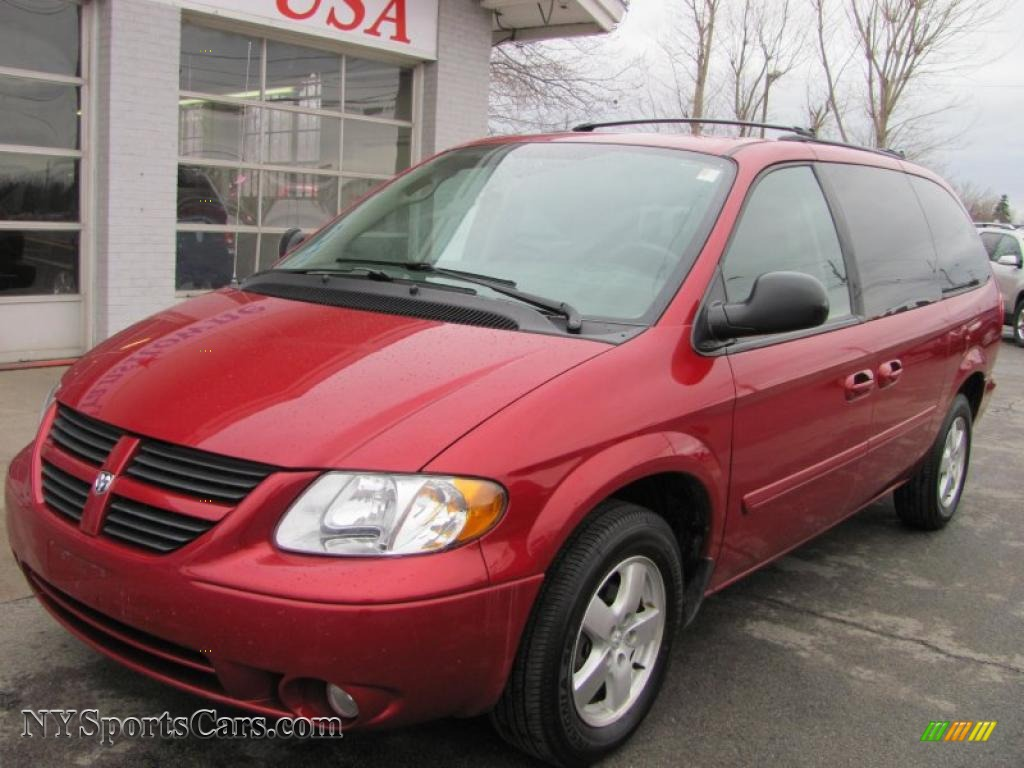 2007 dodge grand caravan sxt in inferno red crystal pearl. Black Bedroom Furniture Sets. Home Design Ideas