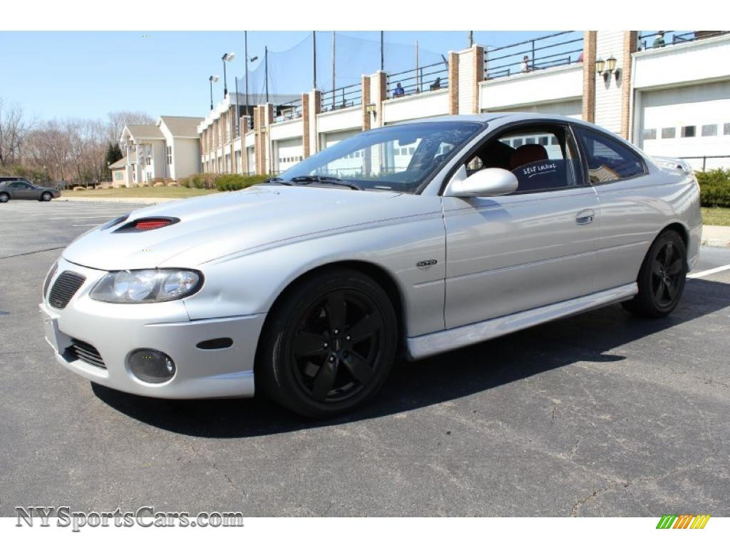 2006 Pontiac GTO Coupe in Quicksilver Metallic  506737