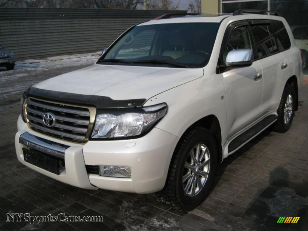 2007 toyota land cruiser in natural white 777123. Black Bedroom Furniture Sets. Home Design Ideas