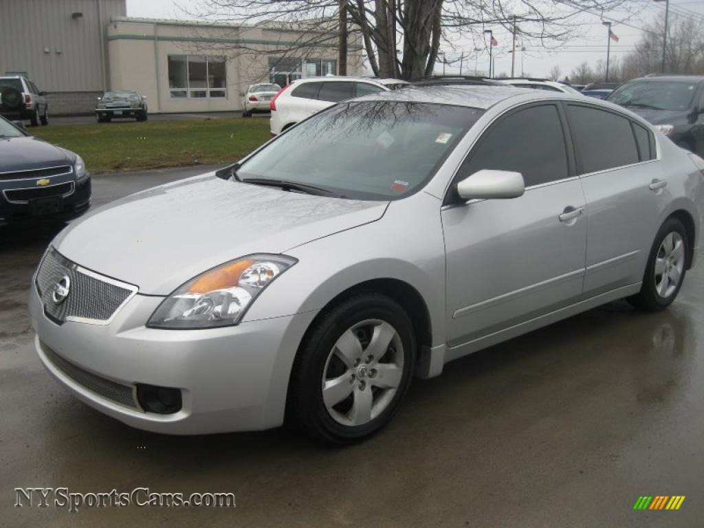 2007 nissan altima 2 5 s in radiant silver metallic. Black Bedroom Furniture Sets. Home Design Ideas