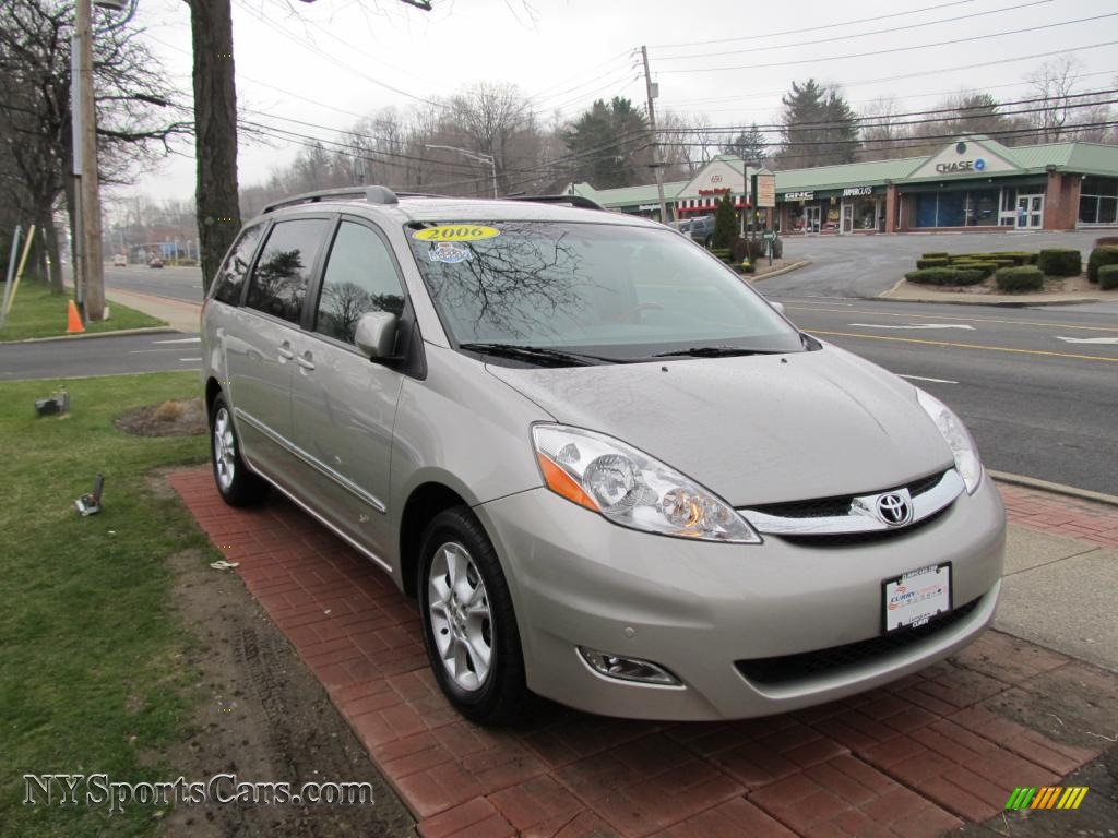 2006 Toyota Sienna Limited In Arctic Frost Pearl Photo 3