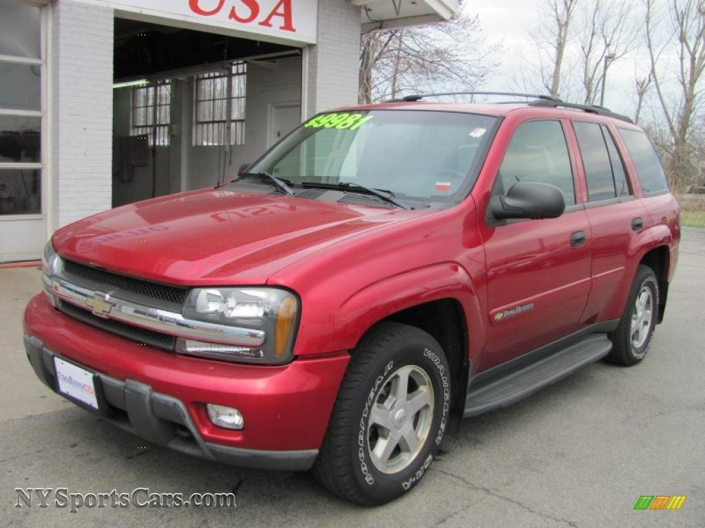 Majestic red metallic medium pewter chevrolet trailblazer lt 4x4