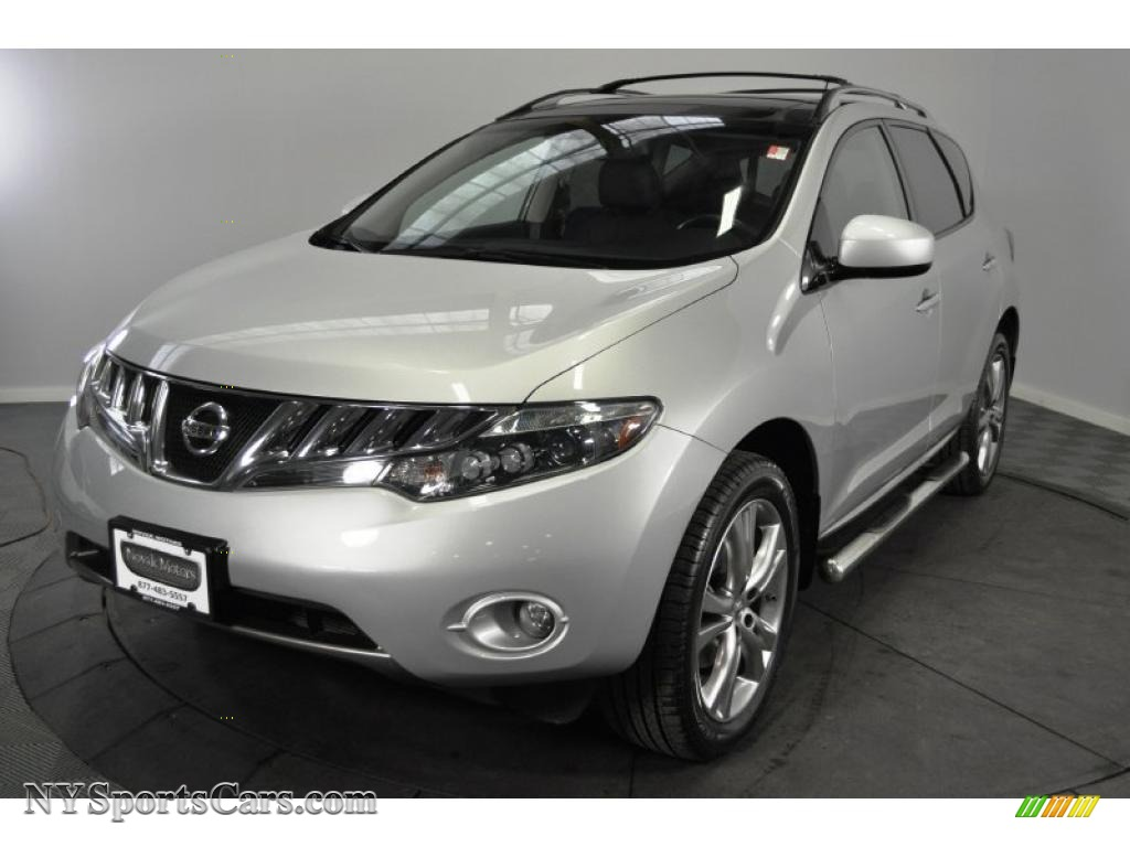 2009 nissan murano le awd in brilliant silver metallic 107512 brilliant silver metallic black nissan murano le awd vanachro Image collections