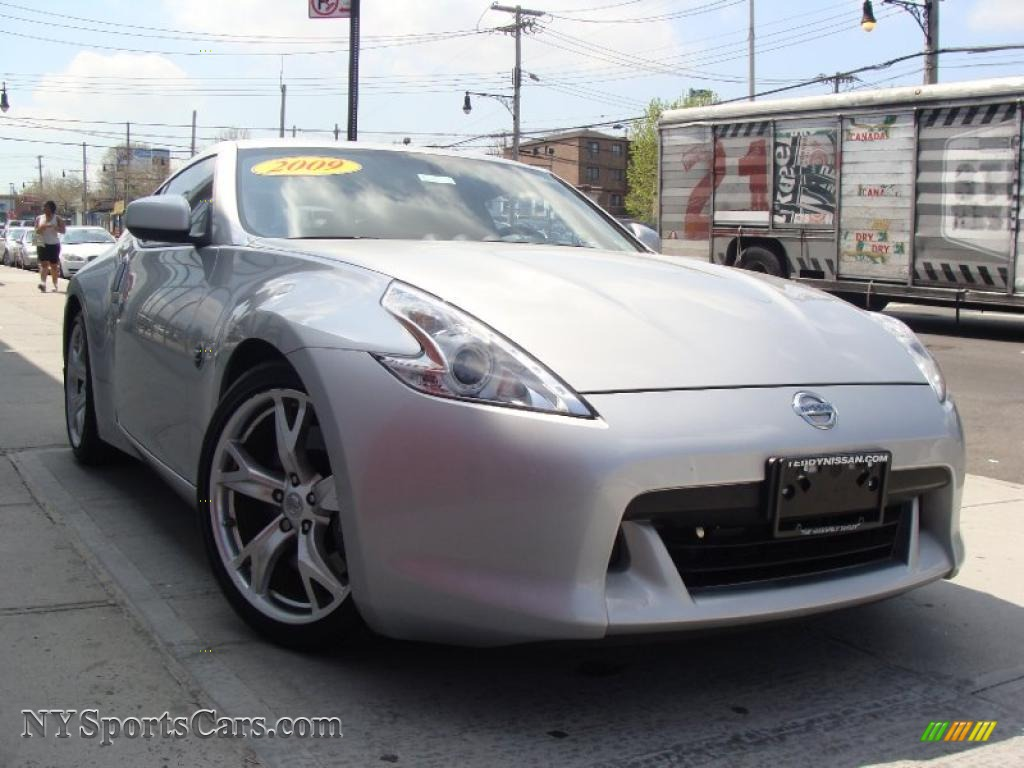 2009 nissan 370z sport coupe in brilliant silver photo 28 402340 cars. Black Bedroom Furniture Sets. Home Design Ideas