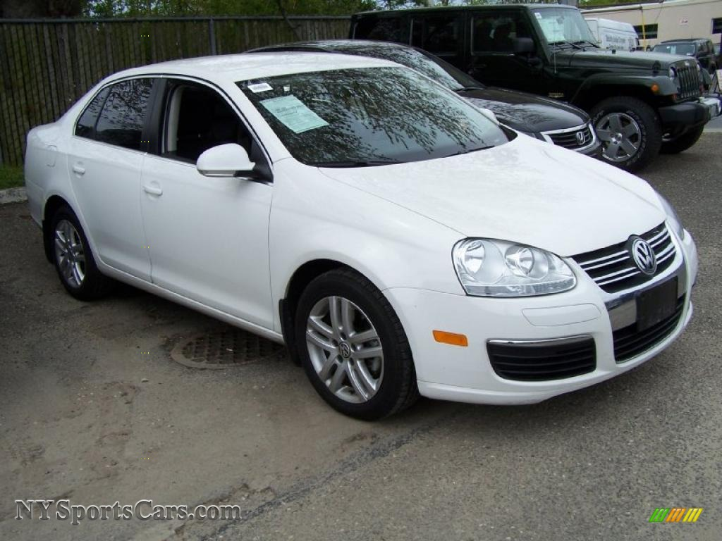 2010 volkswagen jetta tdi sedan in candy white photo 3. Black Bedroom Furniture Sets. Home Design Ideas