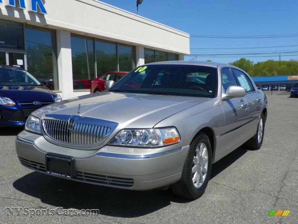 2010 lincoln town car for sale	  2010 Lincoln Town Car Signature Limited in Silver Birch Metallic ...